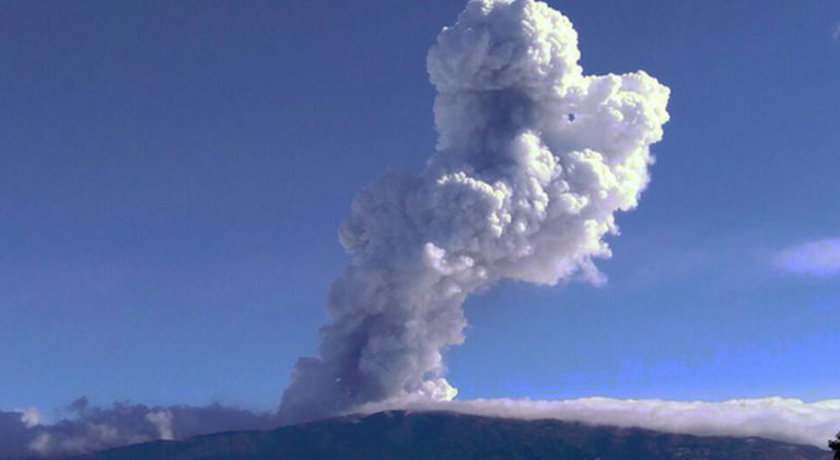 Poas Volcano Eruptions on Friday Compared To Events 64 Years Ago