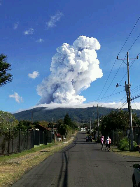 Poás Volcano Spewed Out Gas And Ash 3 Km High (Photos)