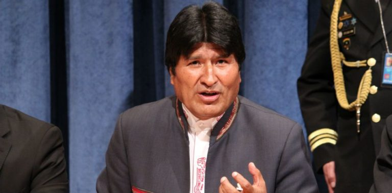 Bolivia Mobilizes Troops to the Border as Chile Warns of Escalation
