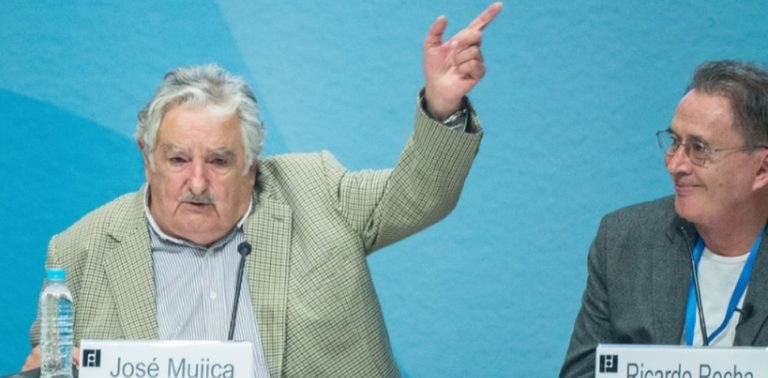 """Uruguay Ex-President Wants to Bring Back """"Duels"""" to Solve Legal Disputes"""
