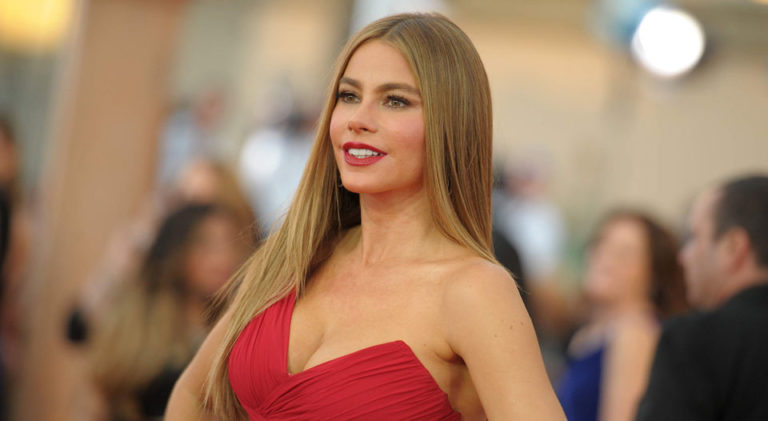 Sofia Vergara Celebrates Her 45th Overflowing With Sensuality and With Her 'Fake' Accent
