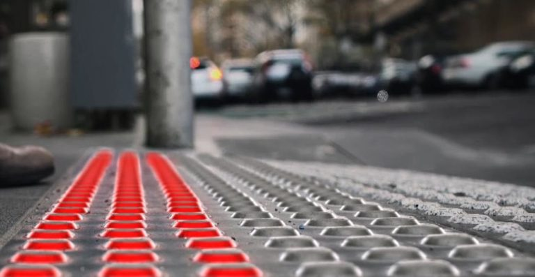 Argentina And Chile First In LatAm To Install Sidewalk Traffic Lights