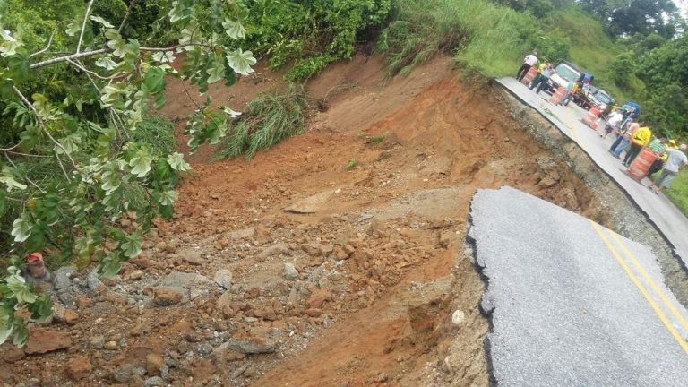 Landslide Causes Problems On The Ruta 2, Inter American Highway South