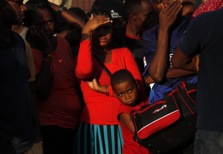 Emigrants from Africa and Asia increase, Catholic Church Denounces Government's Indifference