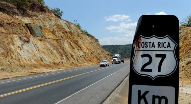 Truckers Demand Ruta 27 Tolls Lowered and Expaned to Four Lanes