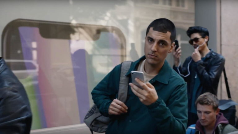 Samsung Is Returning To Its Attacks, Mocks iPhone X Buyers In Latest Commercial
