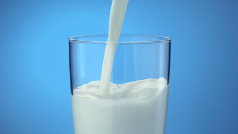 This Is The Reason Why Costa Ricans Don't Refrigerate Milk And North Americans Do