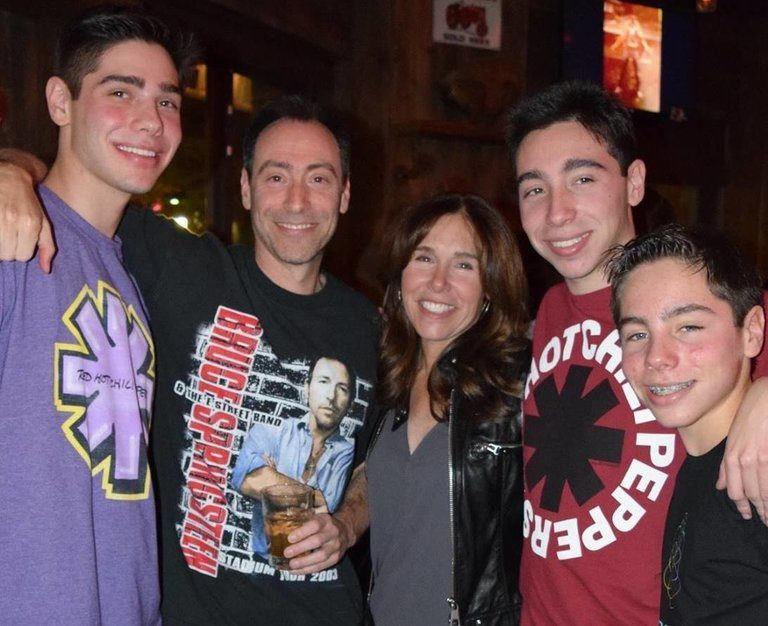 New York Family of 5 Among 10 Americans Killed in Sunday's Plane Crash in Guanacaste