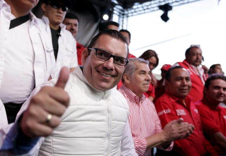 Guatemala business leader wanted for graft seeks U.S. asylum