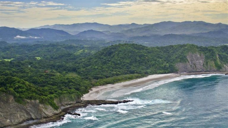 3 Reasons Not to Live in Costa Rica (and 3 Reasons You Should Move There Now!)