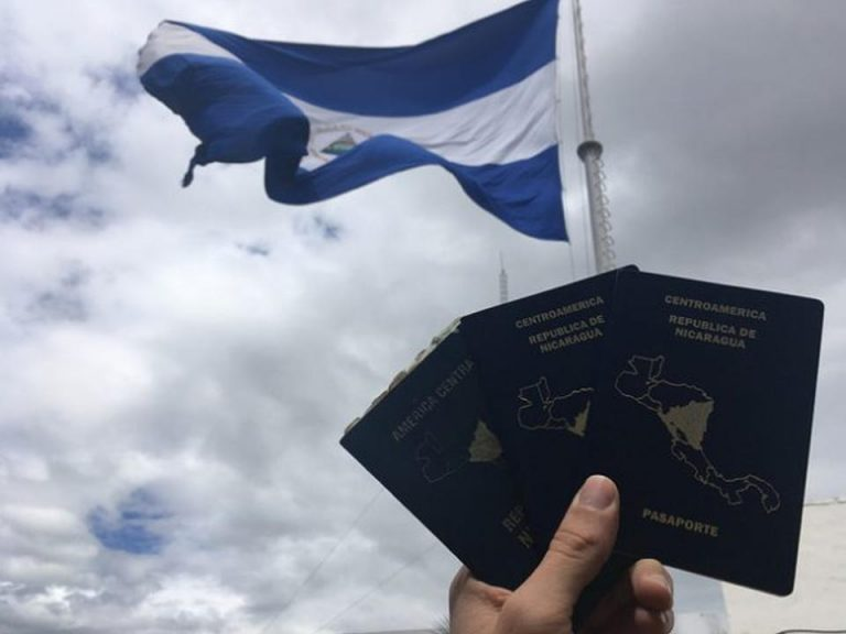 """Migrants Up Against Nicaragua's """"Containment Wall"""""""