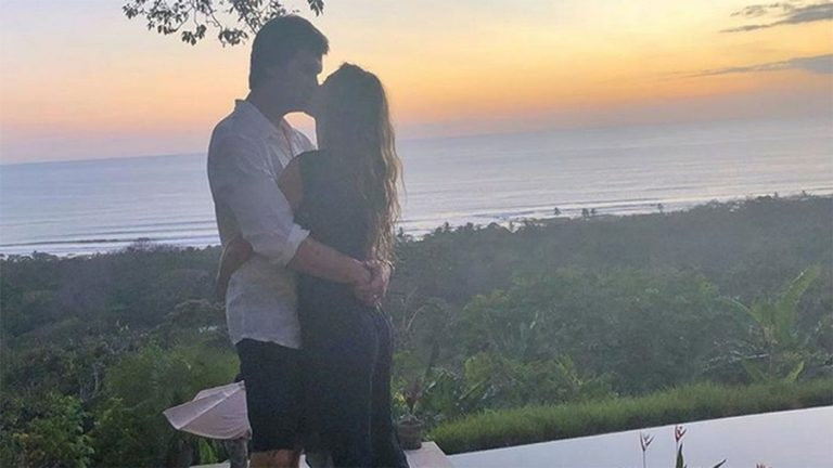 Tom Brady, Gisele Bündchen spend first Sunday of offseason in Costa Rica