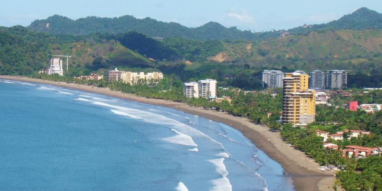 Campaign Seeks To Reactivate Tourism and Economy of Playa Jacó