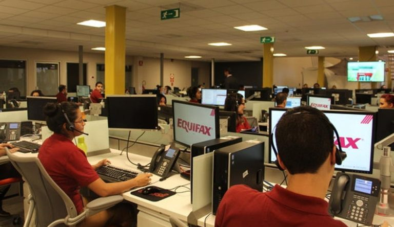 Costa Rica Call Center Employees Go From Attending Calls to Programming and Monitoring Bots
