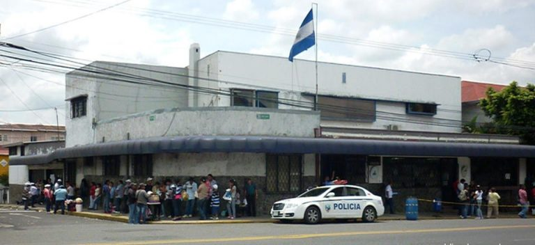 Nicaraguans In Costa Rica Call For Peaceful March