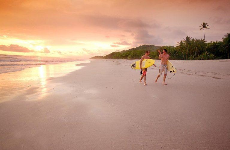Millennial Expats in Costa Rica