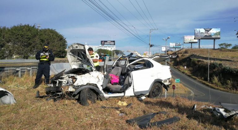 [PHOTOS] Spectacular Rollover Sunday Morning Resulted Only In Injuries