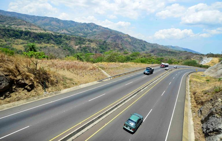 Why Do So Few Drivers In Costa Rica Understand The On-ramp?