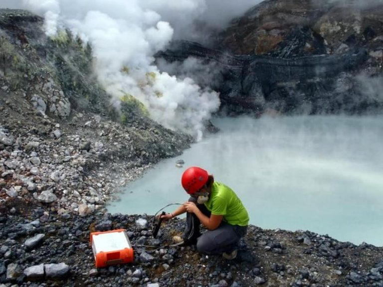 Microbes Living In Toxic Volcanic Lake In Costa Rica Could Hold Clues To Life On Mars