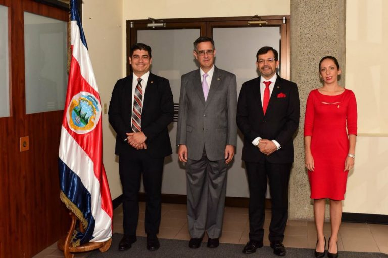"The ""Powers of the Republic of Costa Rica"" (Poderes de la República)"