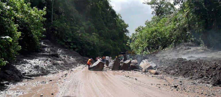 Interamericana Sur Closed Due To Landslides