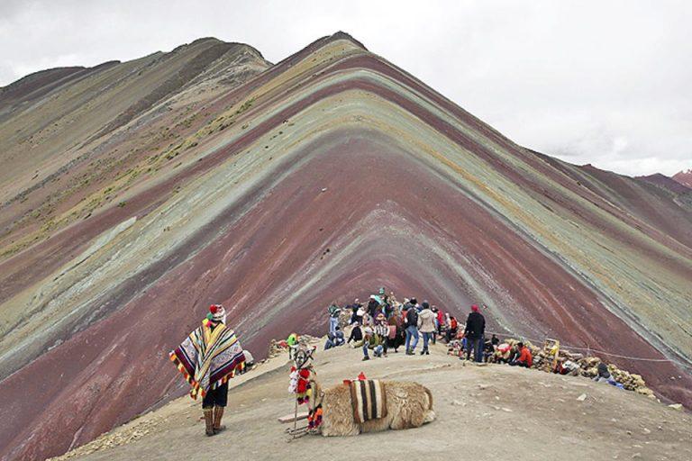 Tourists flocking to Peru's newfound 'Rainbow Mountain'