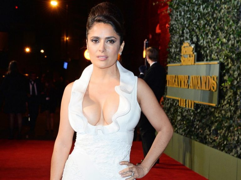 Salma Hayek Calls for Male Stars to Get Pay Cut