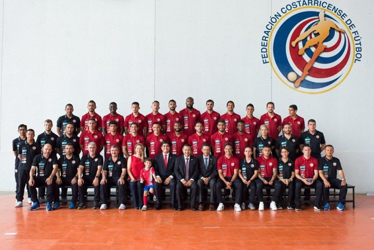 """""""Si Se Puede"""" President Alvarado Tells The National Team Ahead of The World Cup"""