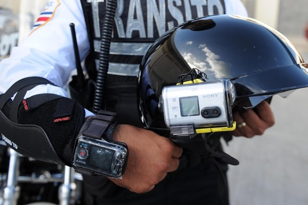 Santa Cruz Transito Director And Official Arrested For Soliciting Bribe From Foreigner Driver