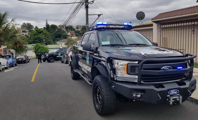 "Police Raid Alleged ""House of Massages"" in Los Anonos, Escazú"
