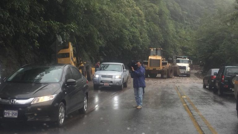Owners Who Abandoned Vehicles Trapped On The Ruta 32 Get Them Back