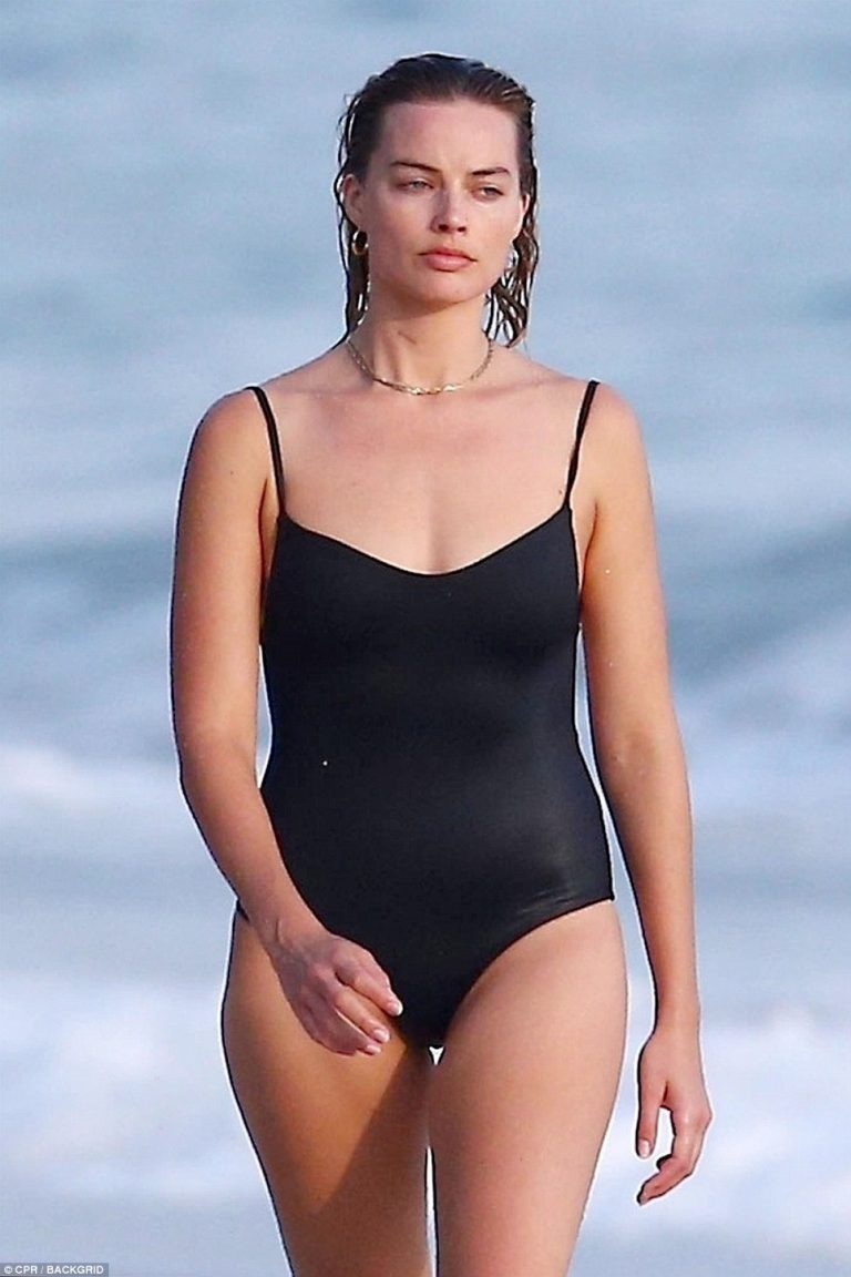 Margot Robbie models swimsuit during romantic vacation in Costa Rica