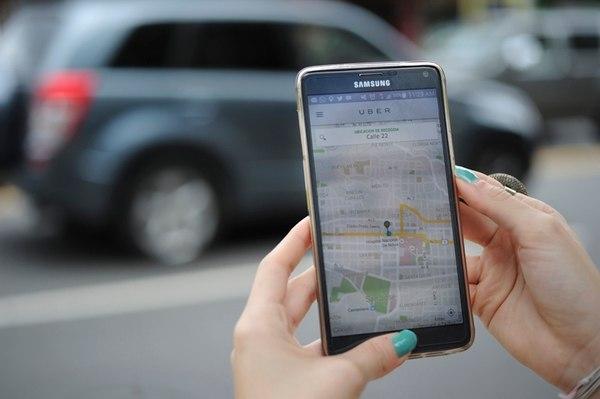 """Legislator Enrique Sánchez: """"Uber would pay a 3% tax for each trip"""""""