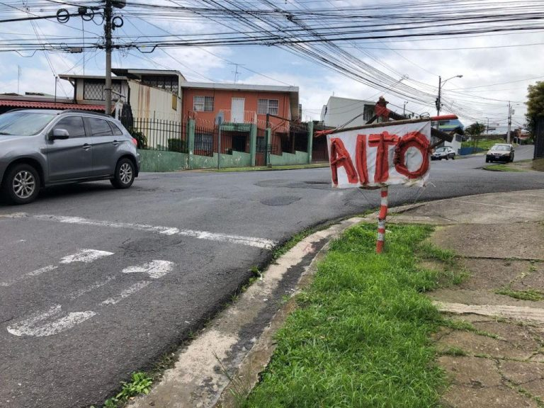 Residents Erect impromptu stop sign due to lack of action by authorities