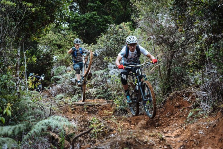 Costa Rica: ripping jungle trails & surviving the emergency room! (Video)
