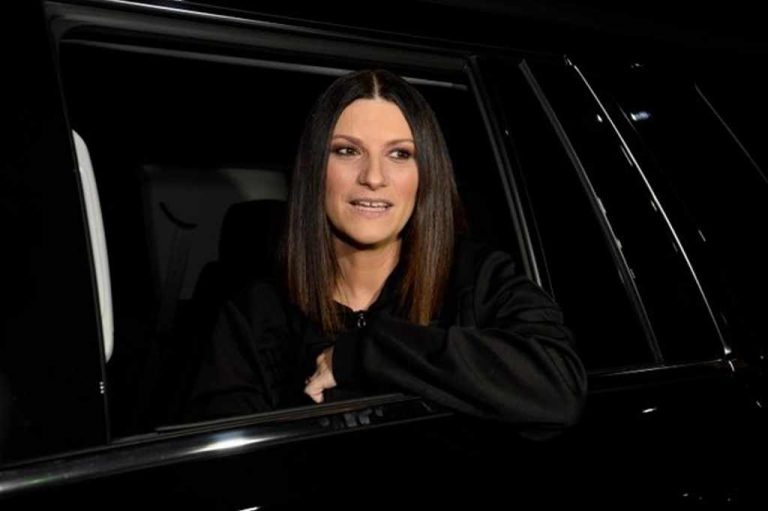 Laura Pausini in Costa Rica: 'I'm very happy to be here'