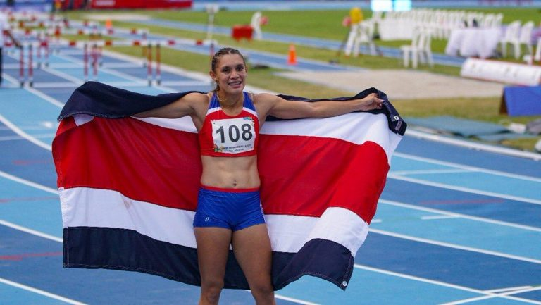 Andrea Vargas gets the first gold for Costa Rica in the Central American and Caribbean Games