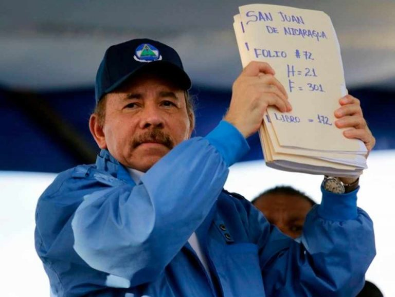Daniel Ortega will ask Costa Rica to deliver refugees who fled from justice