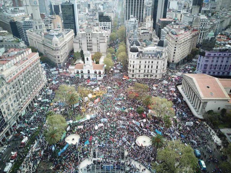 Argentina's Unions Begin National Strikes Against Macri's Austerity