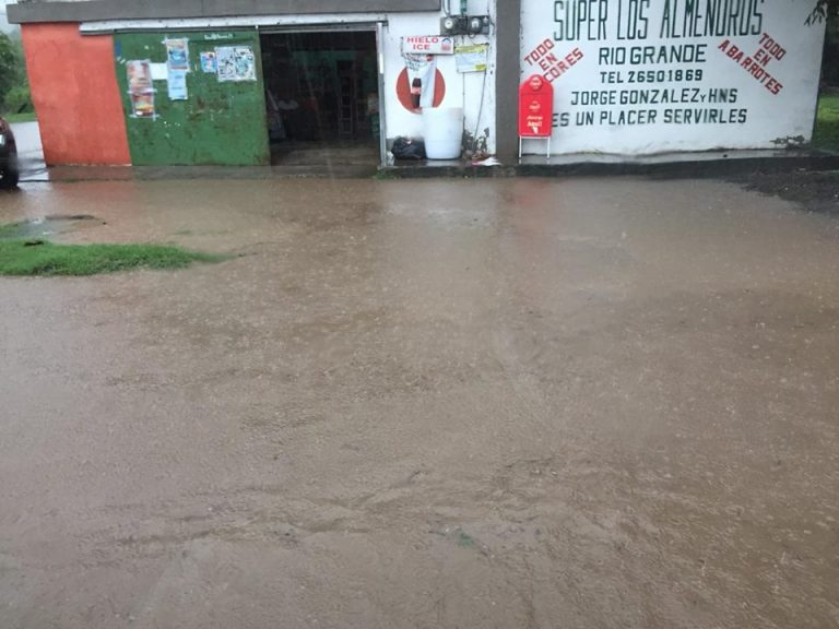 Heavy rains cause floods & landslides In Central Pacific  (Photos)