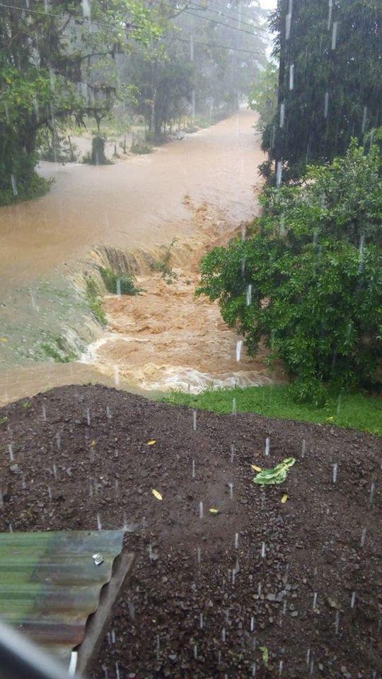 Thursday Rains Cause Floods In Quepos, Golfito, Osa and Perez
