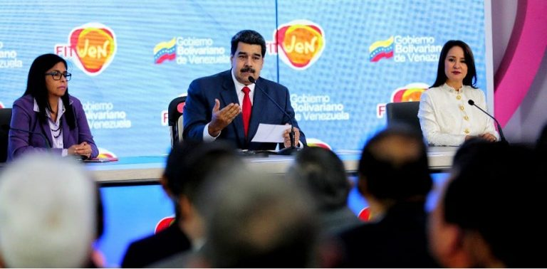 Maduro's New Plan to Dollarize Tourism and Discriminate against Venezuelans