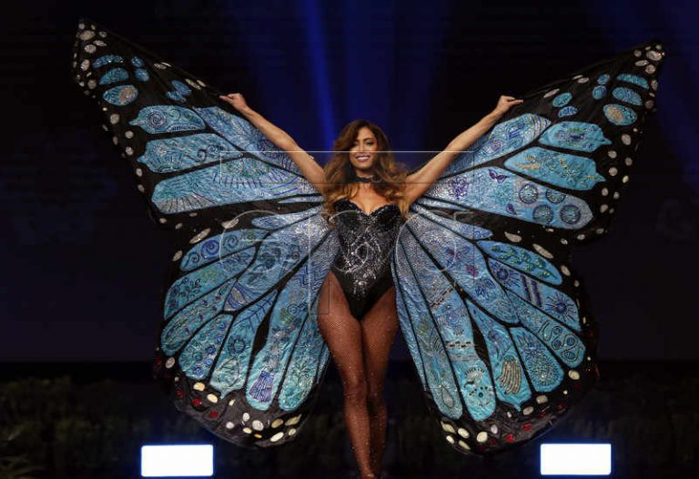 Natalia Carvaval Reveals National Costume, Finally, At Miss Universe 2018