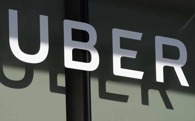 Uber alerts customers that the government's bill would limit vehicle supply and double waiting times