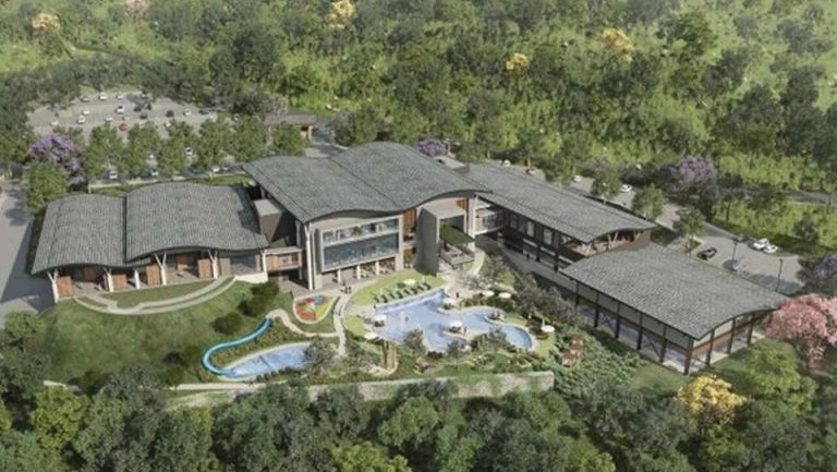 """Santa Ana Country Club readying to open in March and revive the """"private club"""" market"""