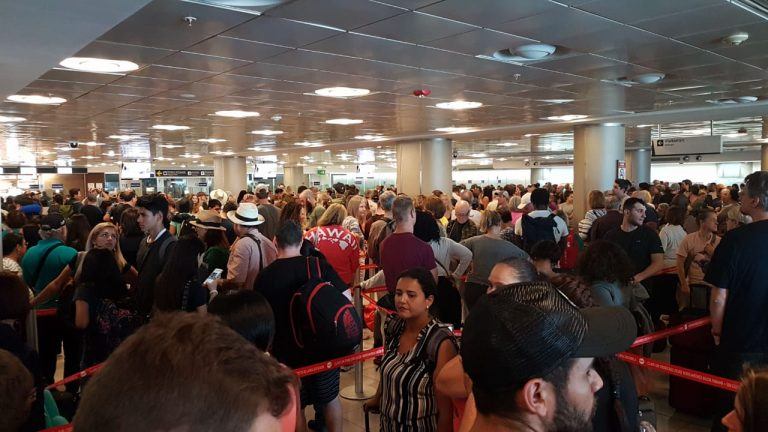 Arrivals Faced A 4 Hour Wait At The San Jose Airport on Saturday