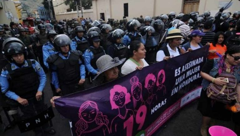 Honduras: Women's Day Rejects Violence and Impunity