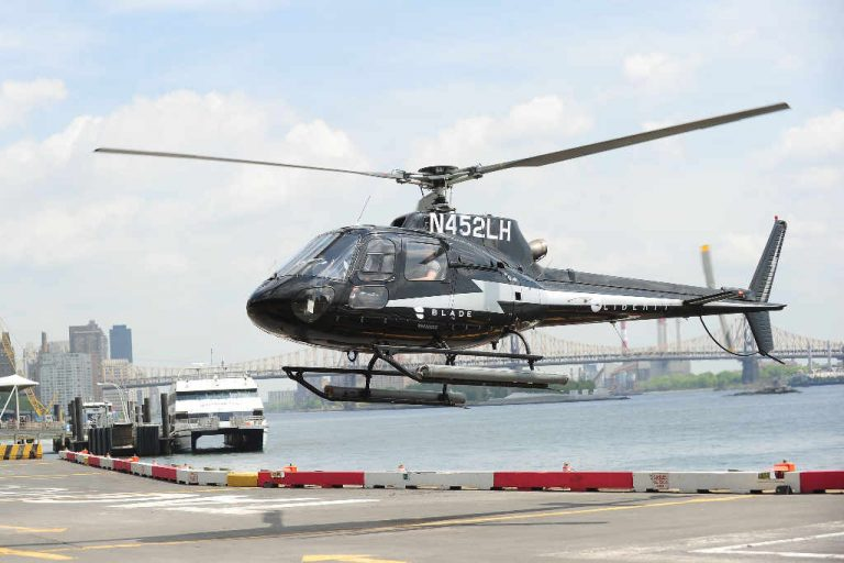 American Airlines will let passengers take private helicopters to avoid long lines