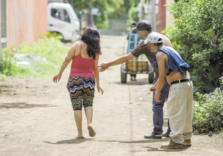 Proposed bill seeks to punish street harassment (acoso callejero)
