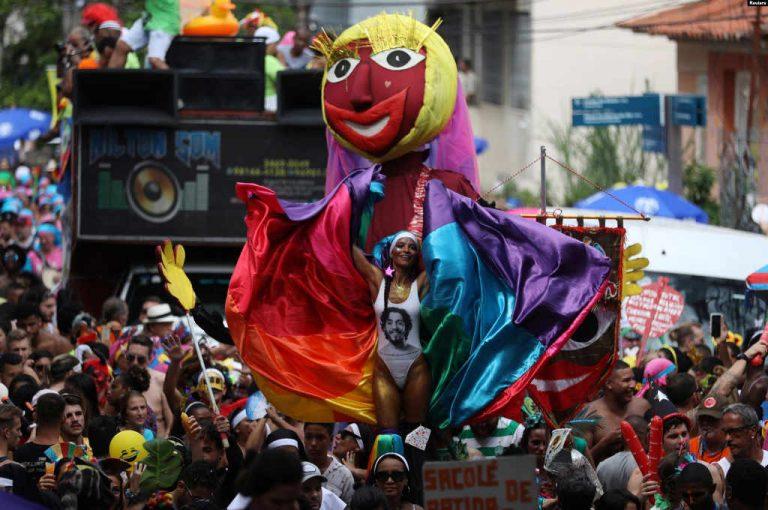 Rio de Janeiro Carnival Begins With Bolsonaro Backlash